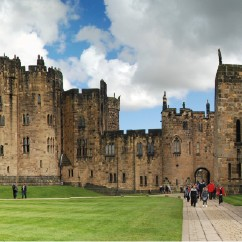 1 Day Alnwick Castle, Northumberland coast and Scottish Boarders