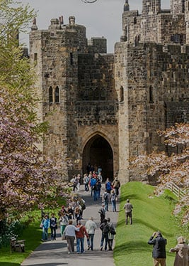 1-DAY ALNWICK CASTLE & SCOTTISH BORDERS